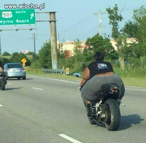 Biedny motocykl .