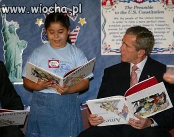 Bush czyta dzieciom.