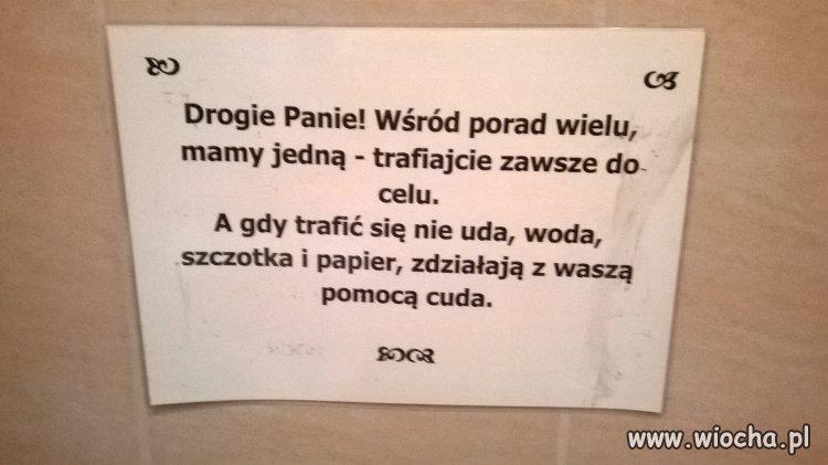 W jednej z damskich toalet