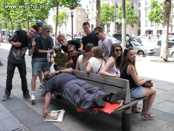 Zdjęcie z bezdomnym
