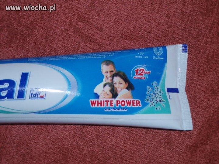 Rasistowska pasta do zębów