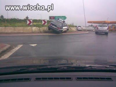 Z kolei policja opracowuje nowe sposoby parkowania.