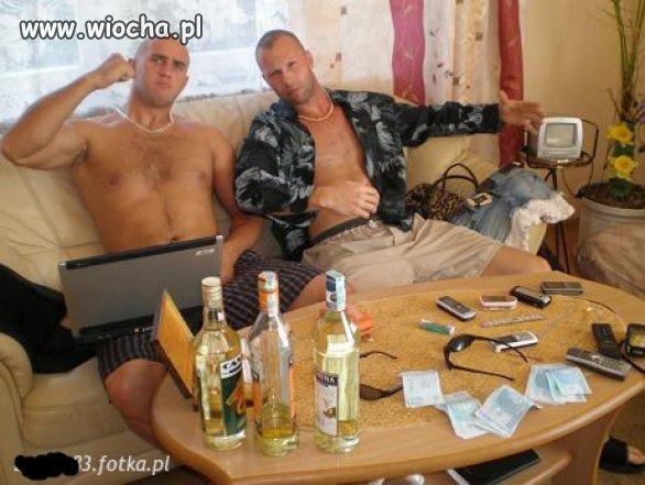 Są telefony, kasa, alkohol