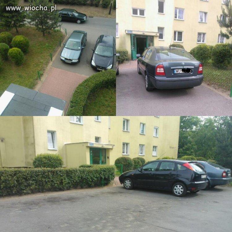 Parking pusty a pani prawie wjechała do klatki