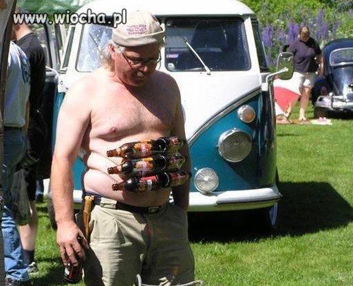 To się nazywa sześciopak na brzuchu po piwie!!!