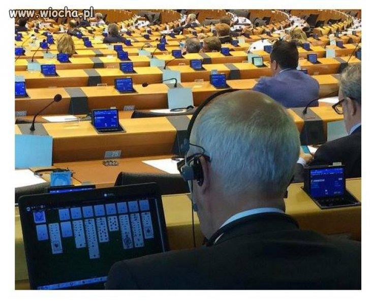 Ciężka praca w Parlamencie Europejskim.