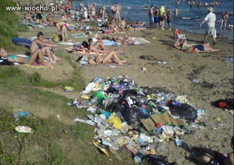 Największa wiocha to syf na plaży