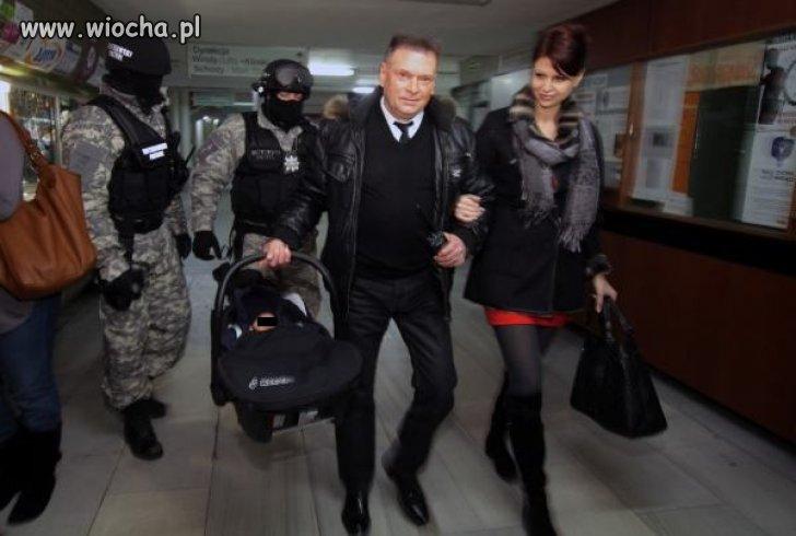 Rutkowski odebrał ze szpitala narzeczoną i syna