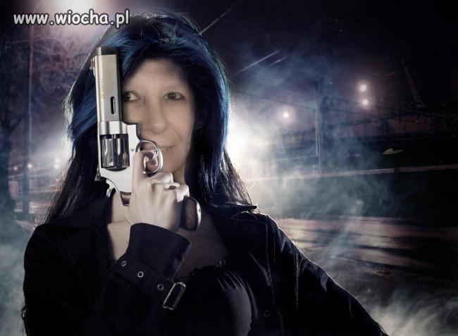 Kobieta gangstera...