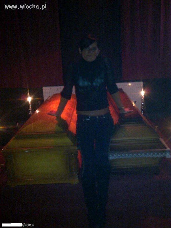 Lans w zakładzie pogrzebowym...