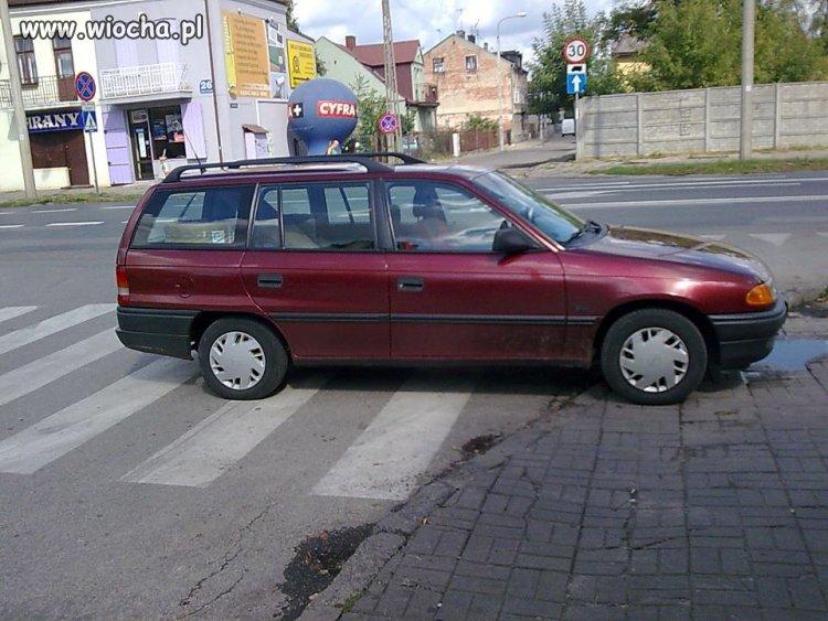 """Kolejny """"miszczunio"""" parkowania"""