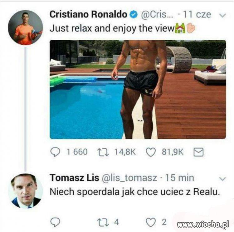 Tomka cały czas nosi