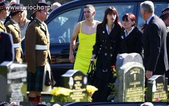 Idealny strój na pogrzeb