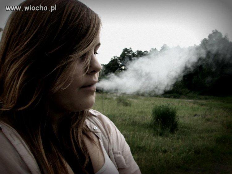 14 lat i lans na papieroska.