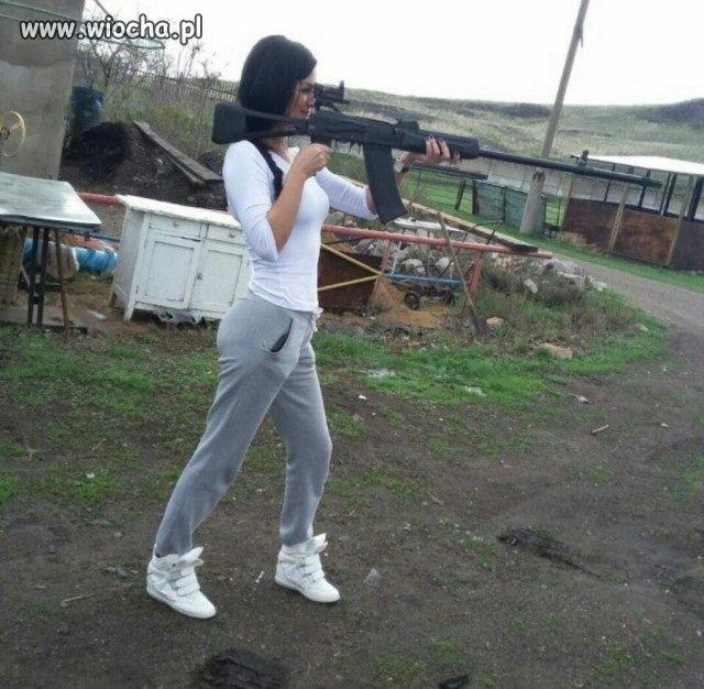 Daj kobiecie broń to się zabije