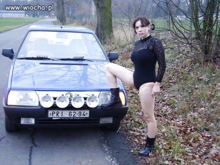 Jedne się lansują na  BMW