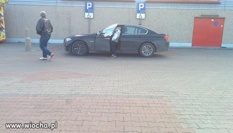 Na zakupach parkuje tak.