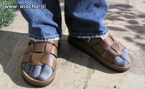 Nowa moda na sandały + skarpetki