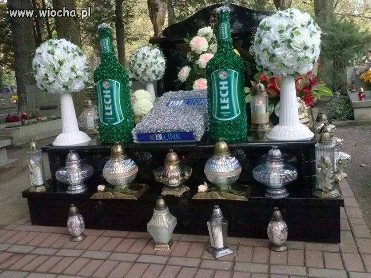 Zrobione na pewnym cmentarzu.