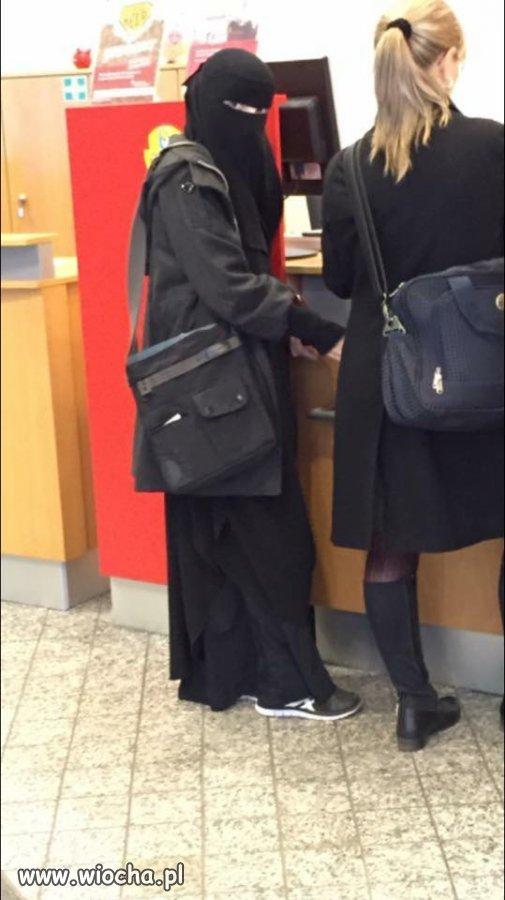 Zakładała konto w Niemieckim Banku