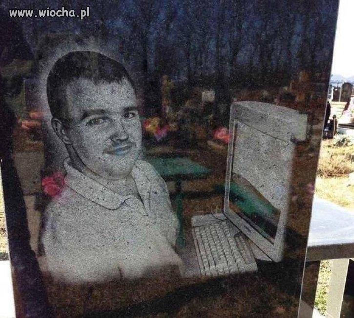 Nagrobek Informatyka.