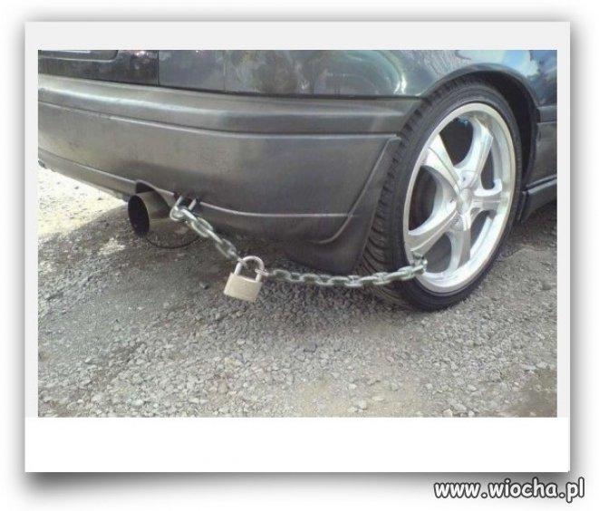 Tanie zabezpieczenie przeciw złodziejom samochodów