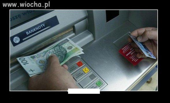 W bankomacie zapłacisz za dostęp do własnych pieniędzy