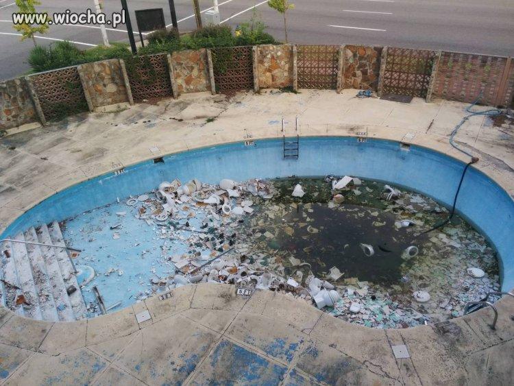 Jeden czyściciel basenów tu nie wystarczy