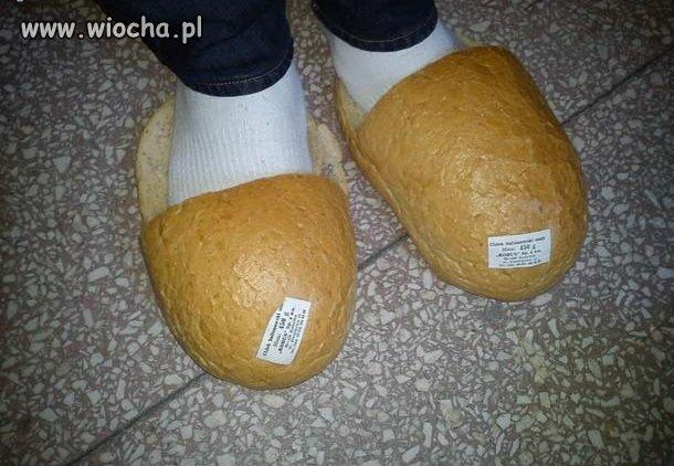 Kapcie z chleba.