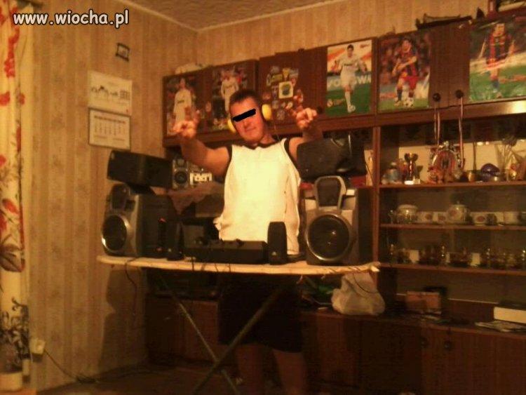 Wiejski DJ daje czadu