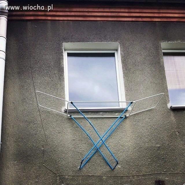 A pranie wieszam za oknem