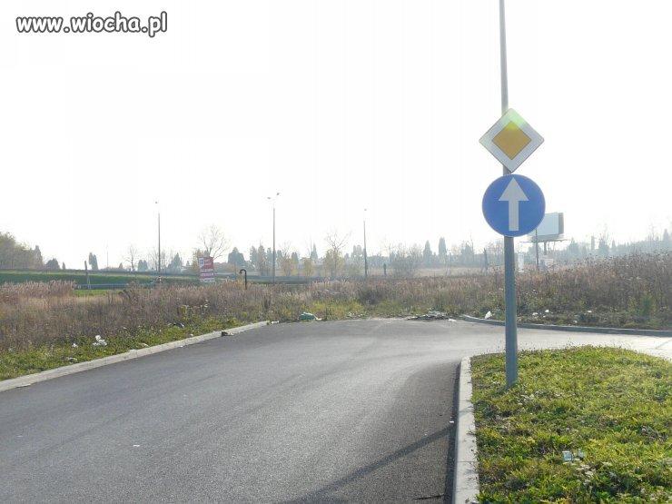 Jedź prosto, to droga z pierwszeństwem
