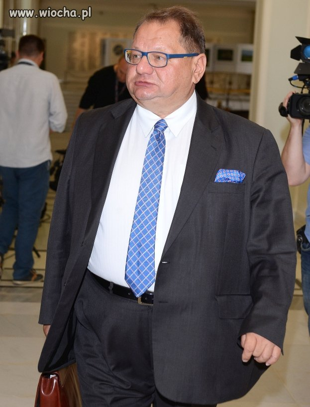 """Kalisz apeluje o """"bardziej godne"""" pensje dla polityków..."""