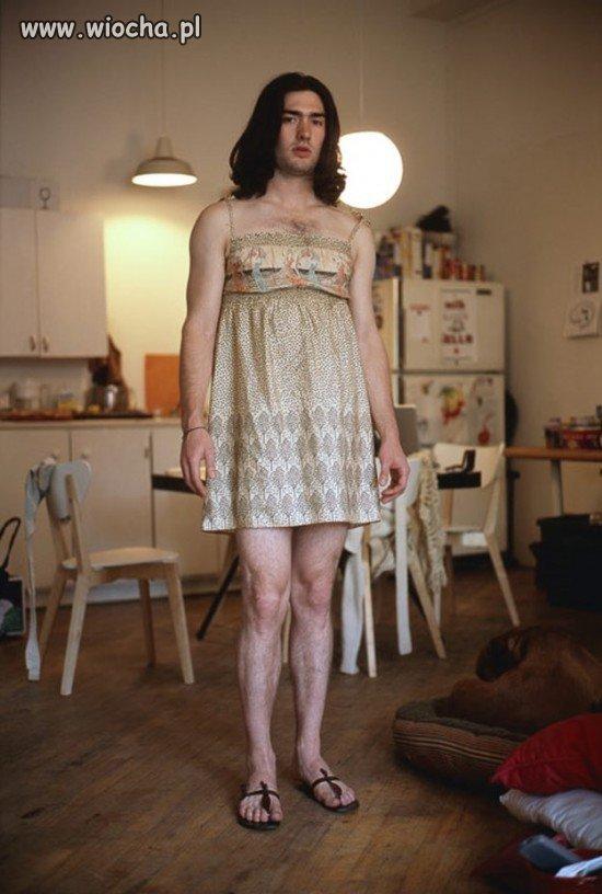 Założyli ubrania swoich kobiet  (8 zdjęć)
