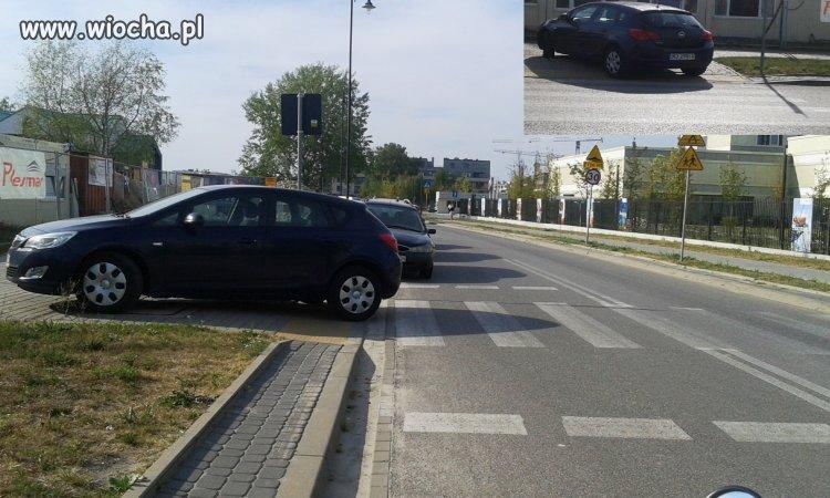 Wieśniak blokuje przejście dla pieszych
