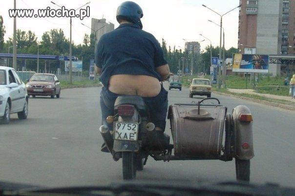 Na motorku