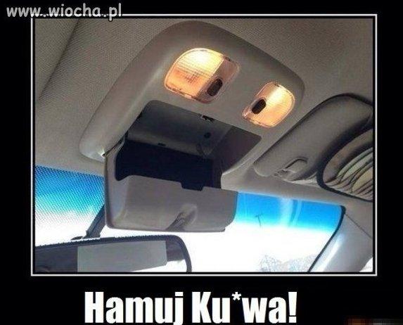 Przerażone auto