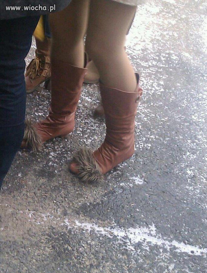 Włochate buty