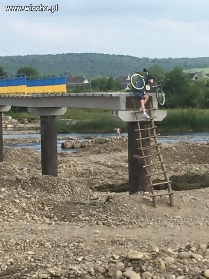 Dobrze że wybudowali most...