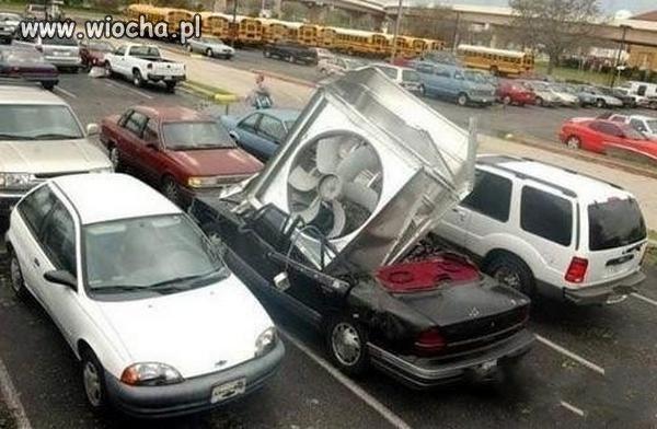 Samochód...z klimą...tanio sprzedam