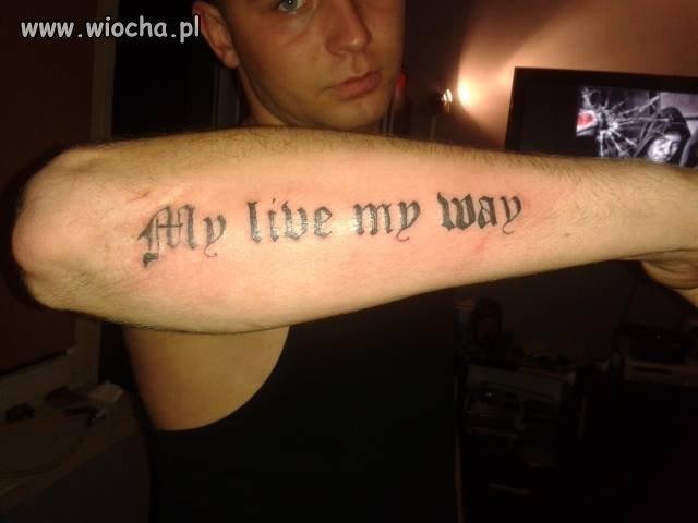 Tatuaż z błędem. wiocha na całe życie.
