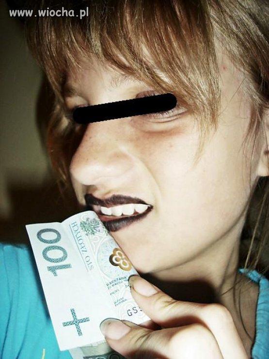 Lans na pieniądze mamy, brudne paznokcie..