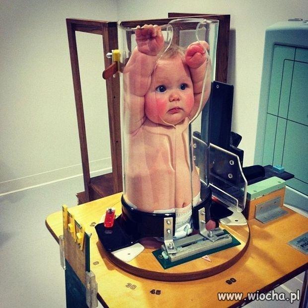 To nie dziecko w sokowirówce.