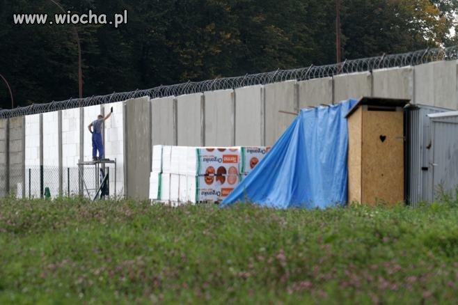 Ocieplanie muru więzienia