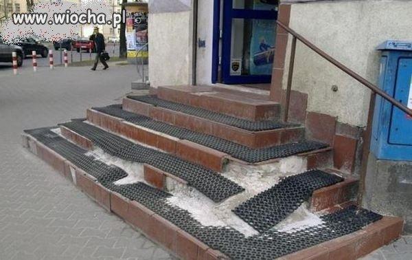 -Panie! Ja jestem fachura,te schody Pana przeżyją!