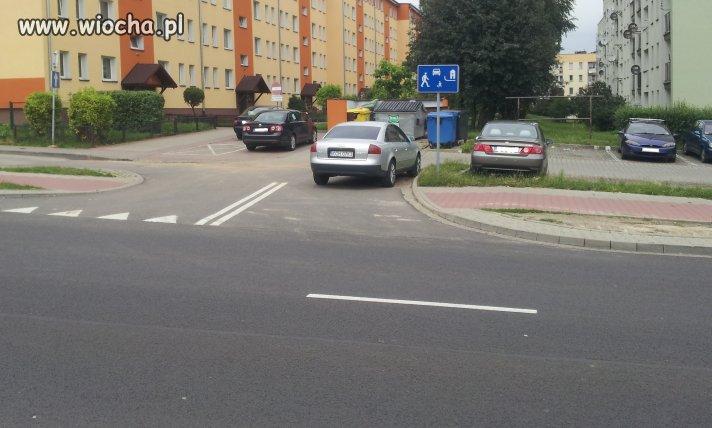 Mistrz parkowania w tedeji