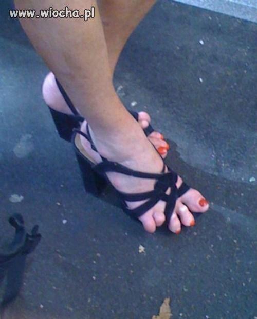Z serii wygodne sandałki i piękne stopy