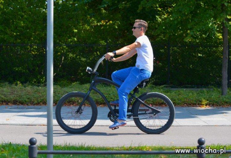 Hoffman na rowerze