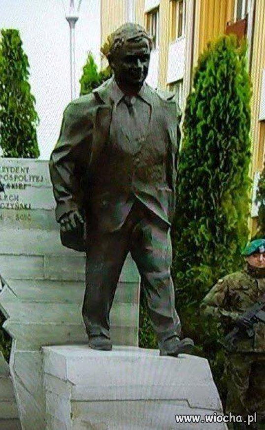 Lech Kaczyński nie był może pięknym i zgrabnym facetem