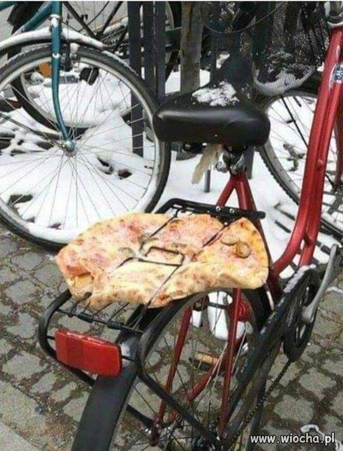 Nowy dostawca pizzy.